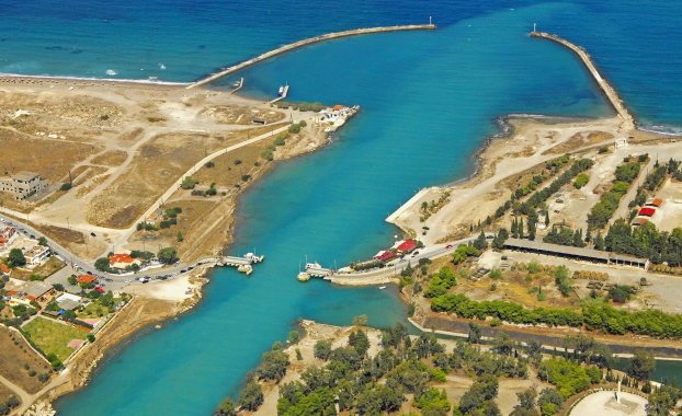 Aerial : corinth canal north