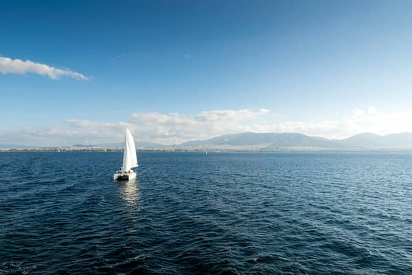 Sailing Greece - free yachting and yacht charters holiday guide to sail the Greek islands