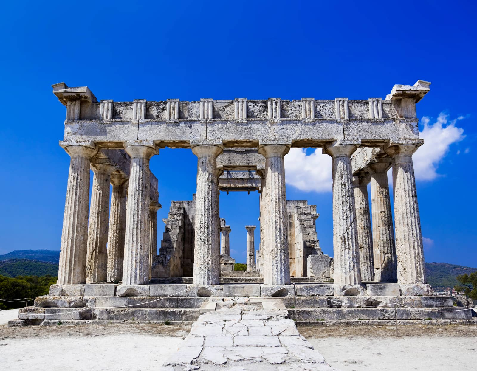 Sailing Greece - free yachting and yacht charters holiday
